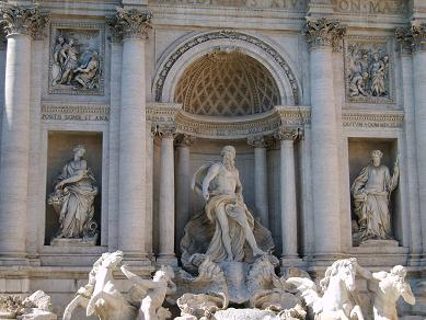 sculptures in the trevi fountain